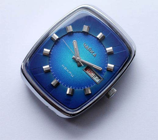 продам винтаж: часы чайка кварцевый резонатор