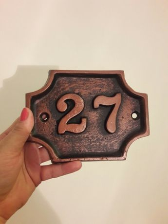 Numar 27 (casa, institut etc.)