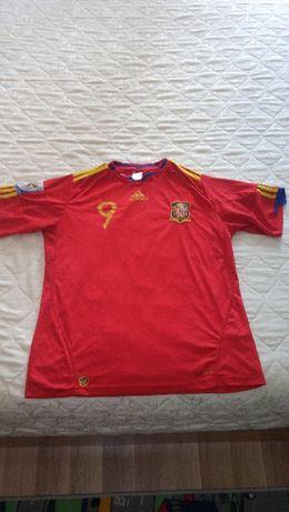 Продавам футболна фланелка на Испания