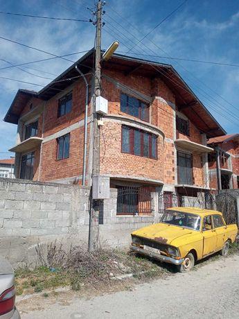 Триетажна къща в с.Огняново обл.Благоевград