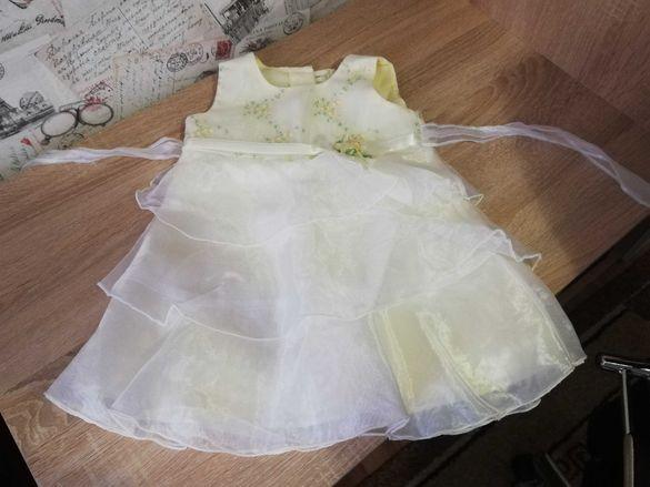 Детска рокля за 09-12 месеца с подарък халатче