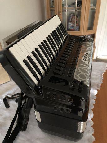 Roland fr8x schimb cu digital sound ofer diferenta