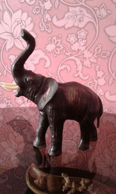 Продам слона, из кожы.