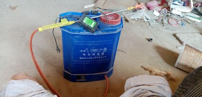 Аккумуляторный опрыскиватель для дезинфекция с зарядкой в хорошем