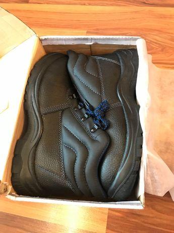Обувки АДР 42 номер