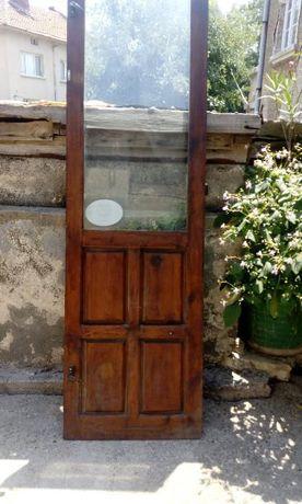 Продавам балконска врата от дърво