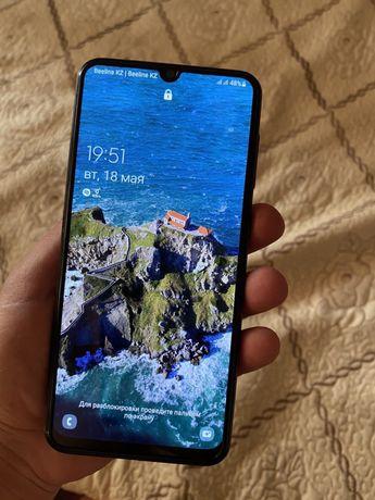 Срочно продаётся Samsung A 50 Память 128 гб Состояние идеальное,минусо