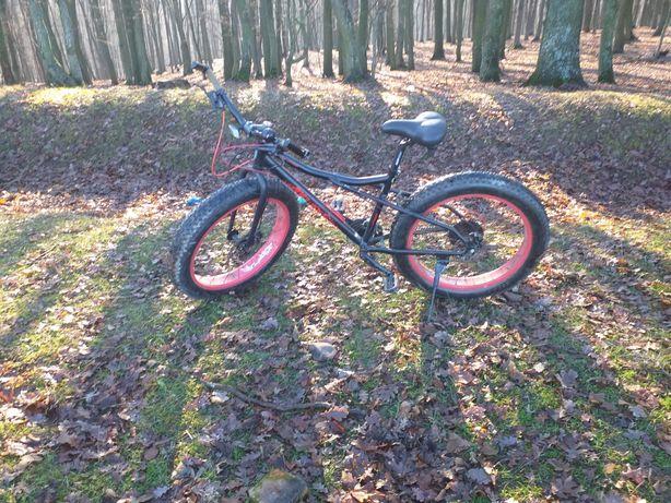Vînd bicicicleta