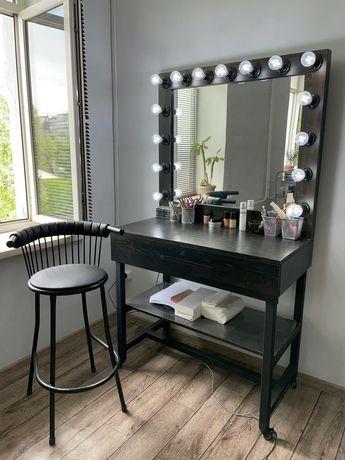 Визажный стол со стулом