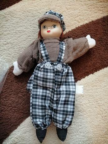 Нова порцеланова кукла