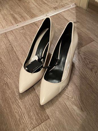 Продам новые Туфли Zara