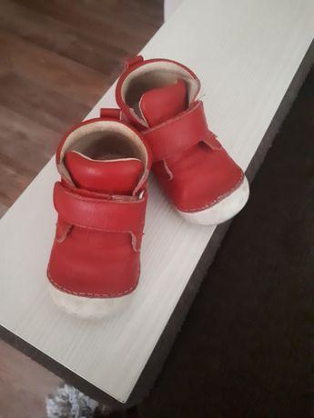 Продам кожанные ботиночки