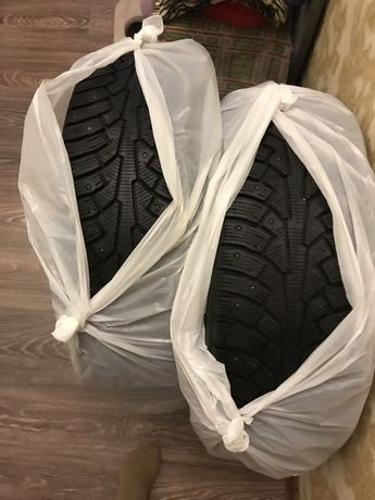 Продам Зимние шипованые шины!!Почти новые !!