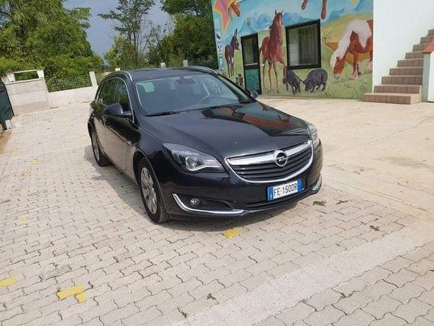 Vând Opel Insignia