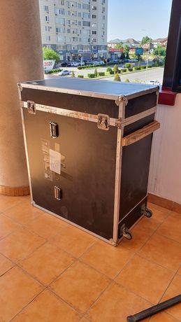 Кофр / ящик / кейс для транспортировки хрупких грузов и оборудования