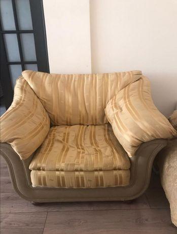 Продам кресло итальянское фирменное