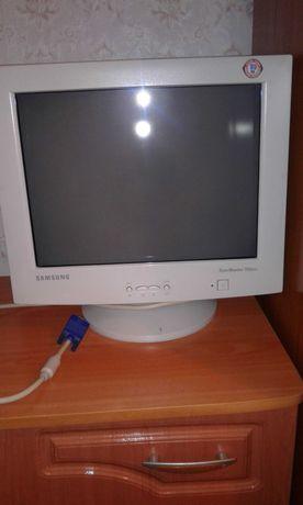 Монитор Samsung 753 dfx