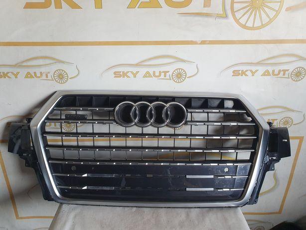 Grila radiator Audi Q7 4M S Line dupa 2015 cod 4M0853651