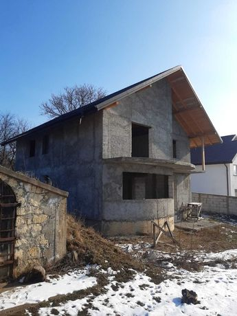 Vand casă la rosu in Dobrovat