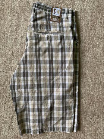 Pantaloni scurti / Shorts Karl Kani marimea 32