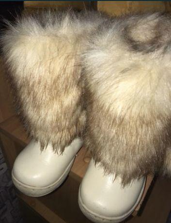 Продам зимние унты  сапоги для девочки
