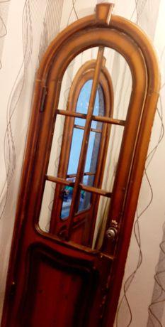 Продам межкомнатные деревянные двери с косяком
