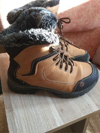 Зимние ботинки на мальчика 33 размер. 1500 тенге