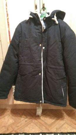 Продам мужскую куртку reebok