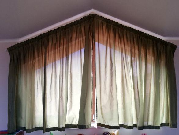Готови пердета за триъгълни прозорци