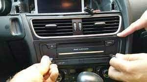 Cd Player Casetofon Radio Audi Multimedia A4 B8 A5 2008-2012