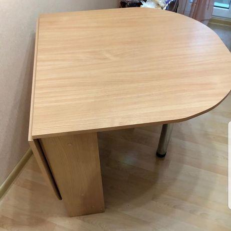 Продаю раздвижной стол для кухни.Есть Каспи Ред.