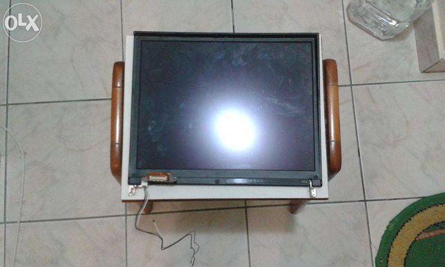 display cu capac superior laptop IBM T41p