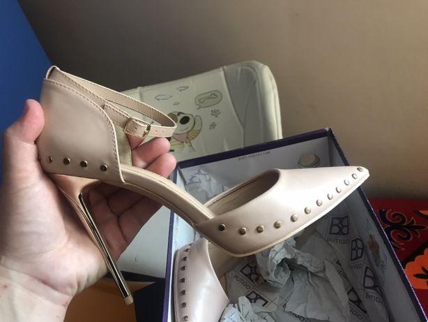 Новый,модный обувь