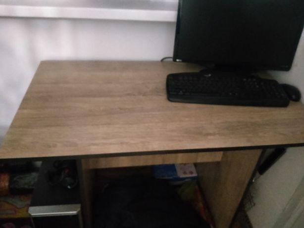 Продам стол 4 стульями за 14000тг