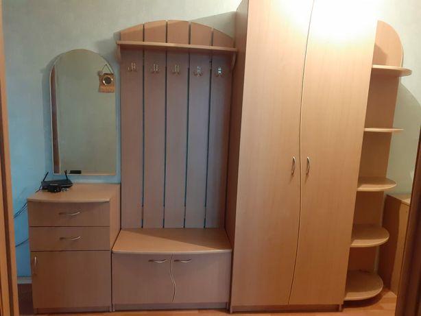 Продам шкаф в прихожую в хорошем состоянии