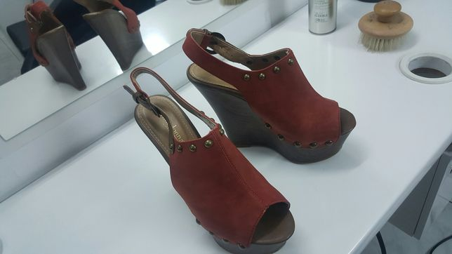 Sandale cu platforma Primadonna