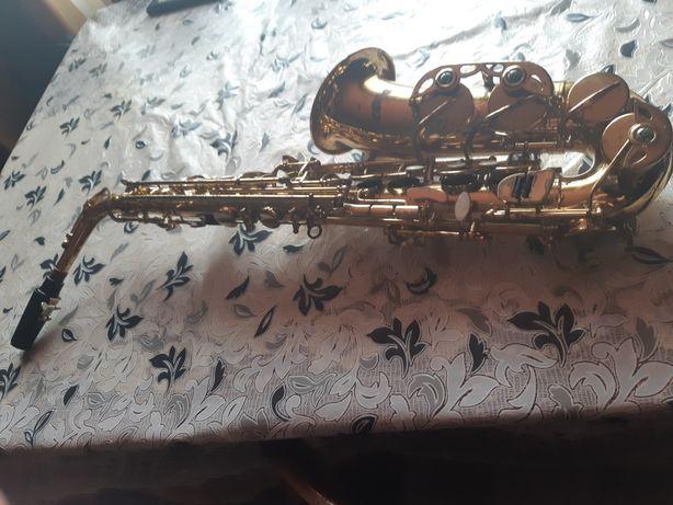 Vand saxofon in stare perfecta de funcționare