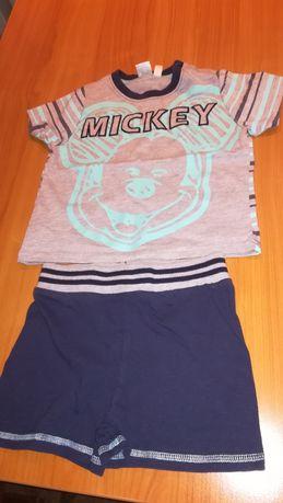 3 seturi tricou +pantaloni scurți C&A