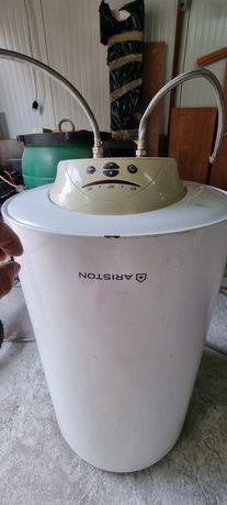 Vând boiler ariston