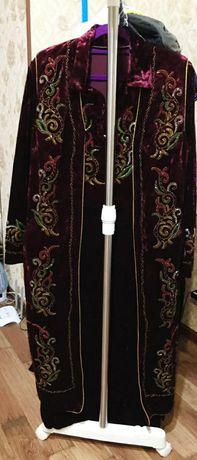 Национальный костюм. Қамзол и платье