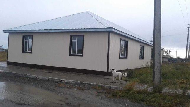 Земельный участок и строение площадью 1,6 га, по ул.Дорожников