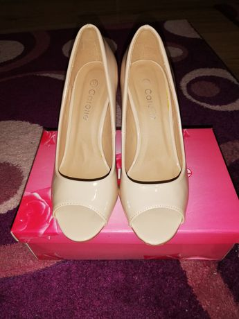 Pantofi gala