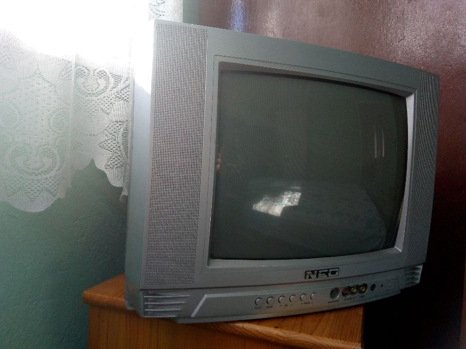 Продавам цветни телевизори
