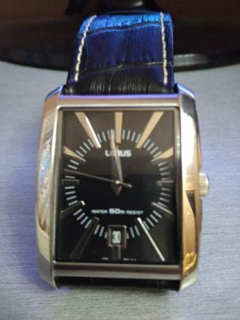 Часовник Lorus естествена кожа