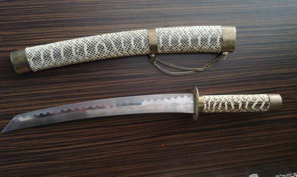 Декоративен меч
