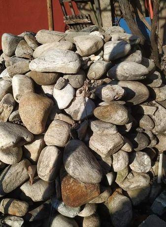 Продавам речни камъни