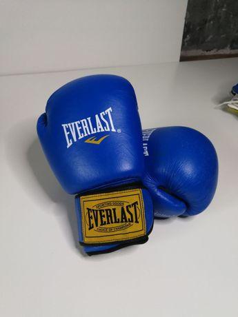 Боксерские перчатки, шлем, боксерки, чингарики