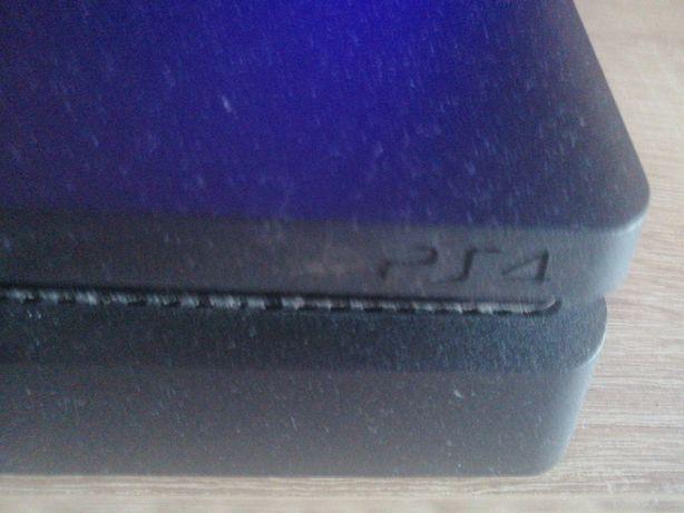 Vând ps4 PlayStation