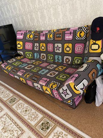 диван в хорошем состояний