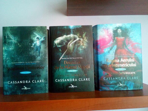 Cassandra Clare - Uneltiri intunecate - 3 titluri